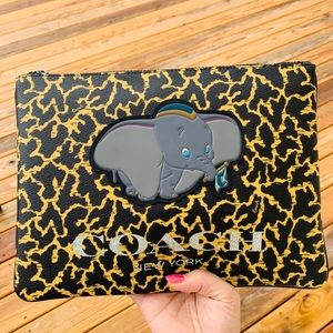 COACH 91218 DISNEY DUMBO LARGE POUCH